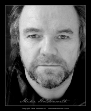 Dave Bowles Actors Headshot 3.jpg