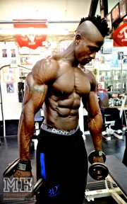 Femi Billyrose WBFF Pro 3D Muscle at Muscleworks Gym (Featured) 18