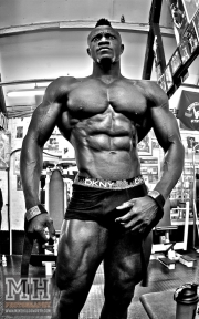 Femi Billyrose WBFF Pro 3D Muscle at Muscleworks Gym (Featured) 5